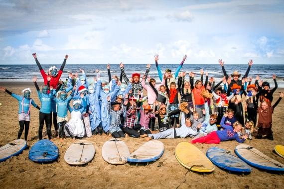 Lakens_Groepsfoto_kidssurfcamp_Zandvoort.jpg