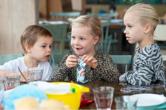 Restaurant_Gestrand_kids_birtdaypary_presents_kids_Haarlem
